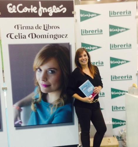 Celia Domínguez firmó libros el Día de la Persona Emprendedora de la Comunidad Valenciana